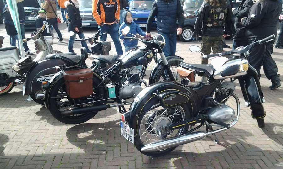 Bikes und Motorräder