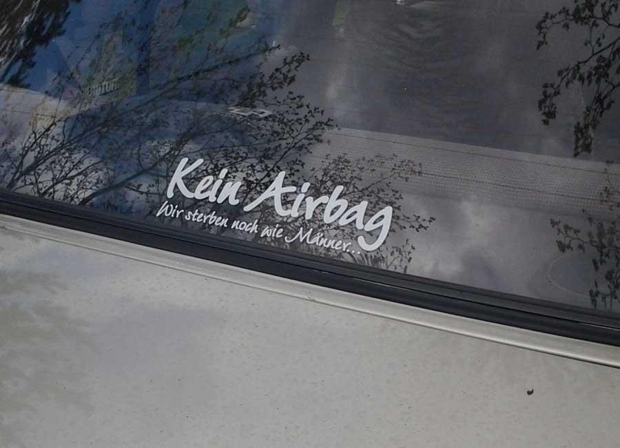 Kein Airbag als Aufkleber