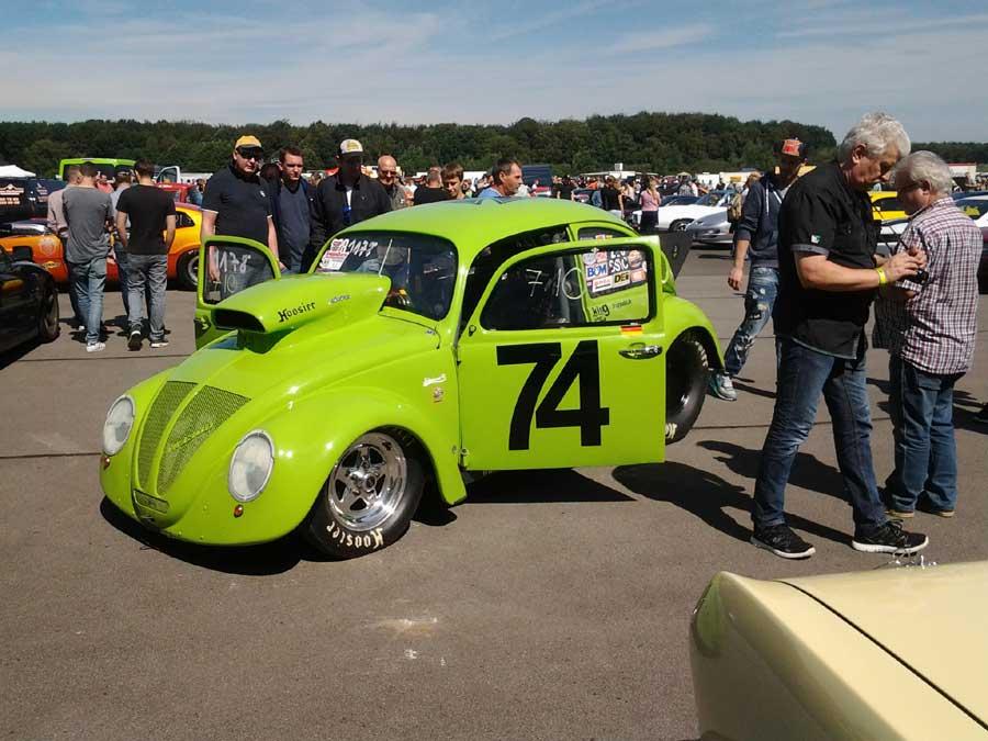 VW Käfer mit V8 Motor