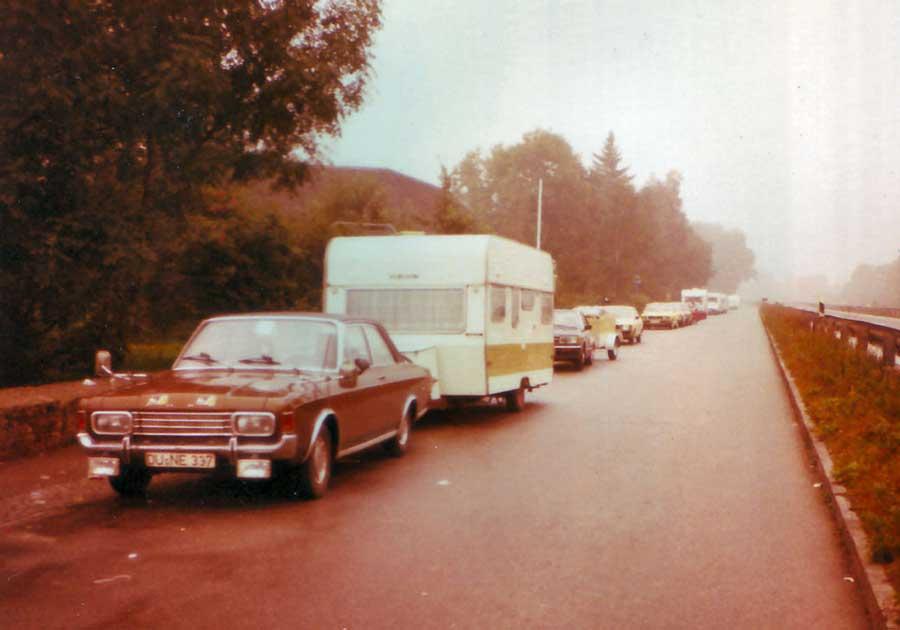 Urlaub mit dem Ford Taunus 17M P7 und Wohnwagen