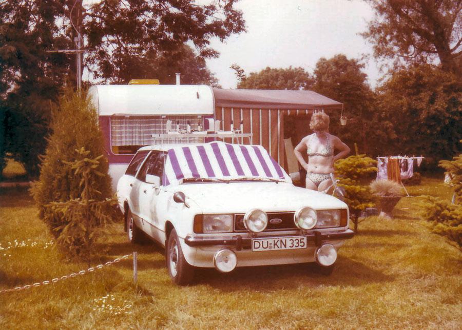 Wohnwagen Zeit mit dem Ford Taunus Kombi