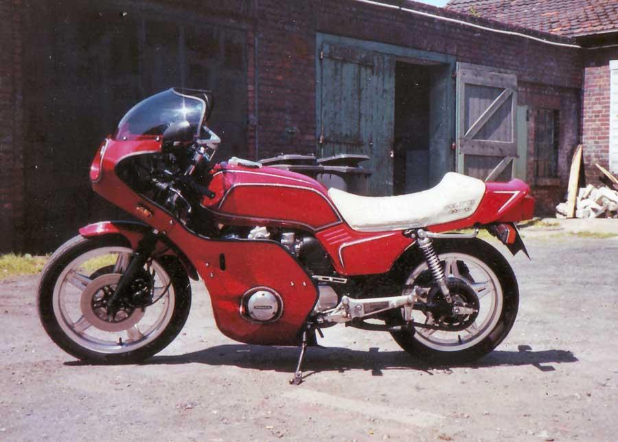 80er Jahre - Honda CB 900 Boldor - 2 Umbau und neuer Lackierung