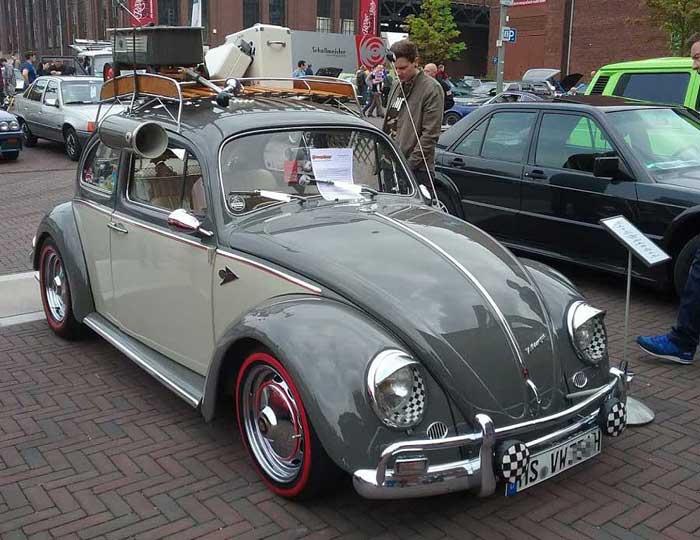 Der VW Käfer natürlich ein Oldtimer